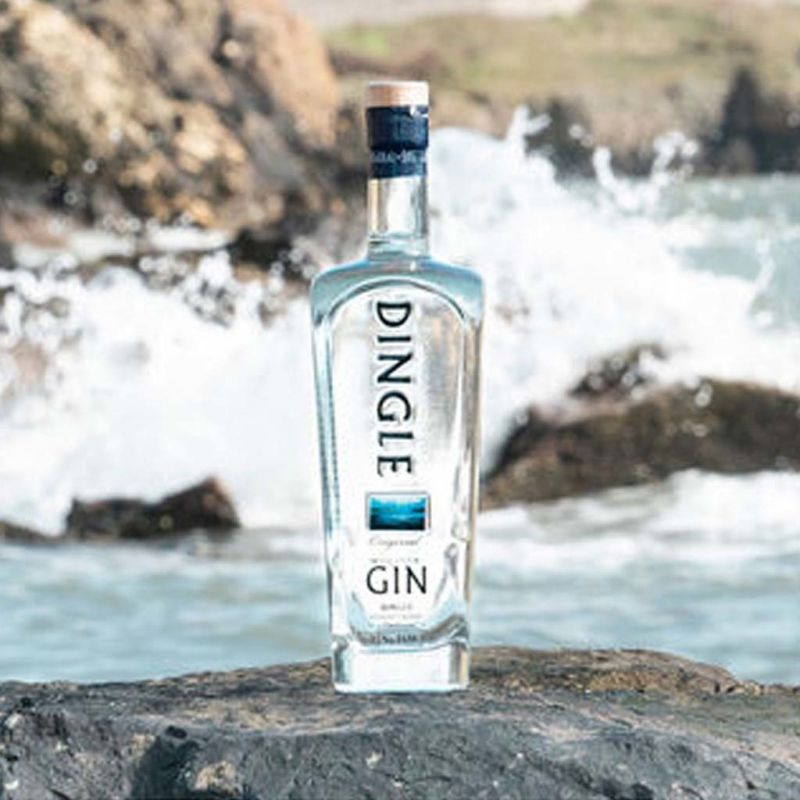 dingle-gin-70cl-lifestyle